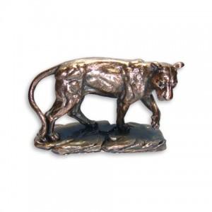 Статуэтка львица