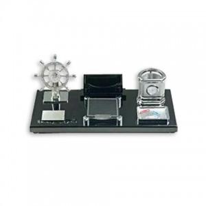 Набор настольный  (штурвал,часы, визитница, подставка подручку, бумагу, скрепки)