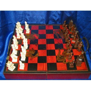 Шахматы состаренные под антикварные