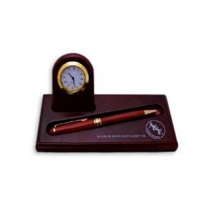 Набор настольный деревянный (часы, подставка для ручки)