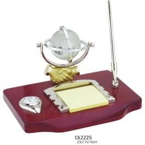 Набор настольный (глобус-рукопожатие, часы,ручка, подставка под бумагу)