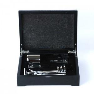 Винный набор в черном деревянном футляре 4 предмета