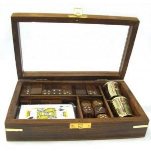 Набор  карты, домино, кости, 2 стакана в деревянном футляре